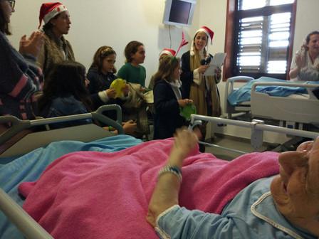 Visita de familias a la Clínica San José