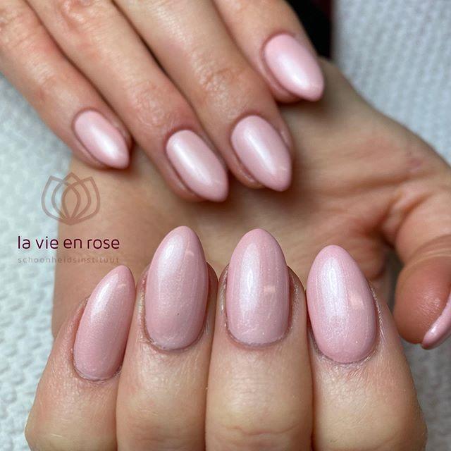 la vie en rose 💕 _#LVER #nailsofinstagr