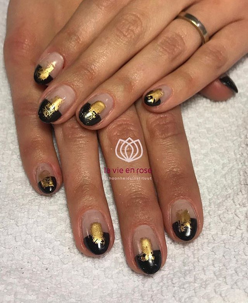 Artistic black and gold combo 🌓 _Afspra