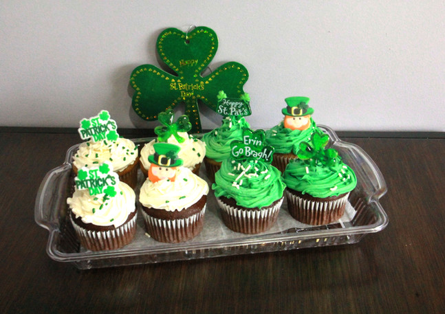 St Patty's Day cupcakes Resize and Corre