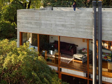 patios-facade-and-upstairs-living-room