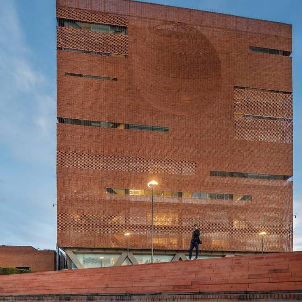 Fundacion Santa Fe de Bogota Hospital Expansion