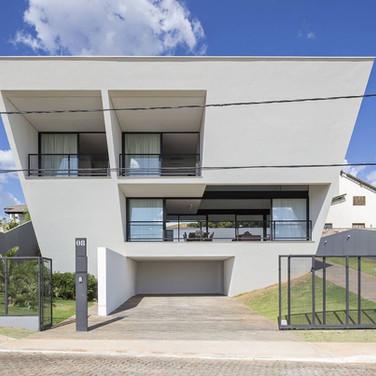 Aresta House