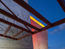 12-12-portal-rear-and-trellis-photo-by-robin-hill-courtesy-of-arquitectonicageo.jpg