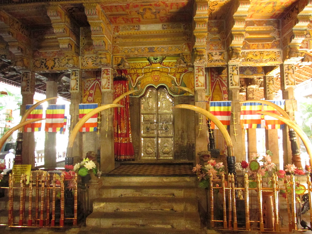 The Tooth Relic, Kandy