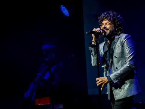 """Francesco Renga sul palco del festival di Sanremo con """"Quando trovo te"""""""