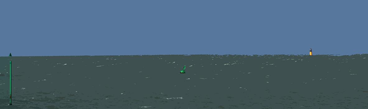 Poteau et bouée verte et la balise j