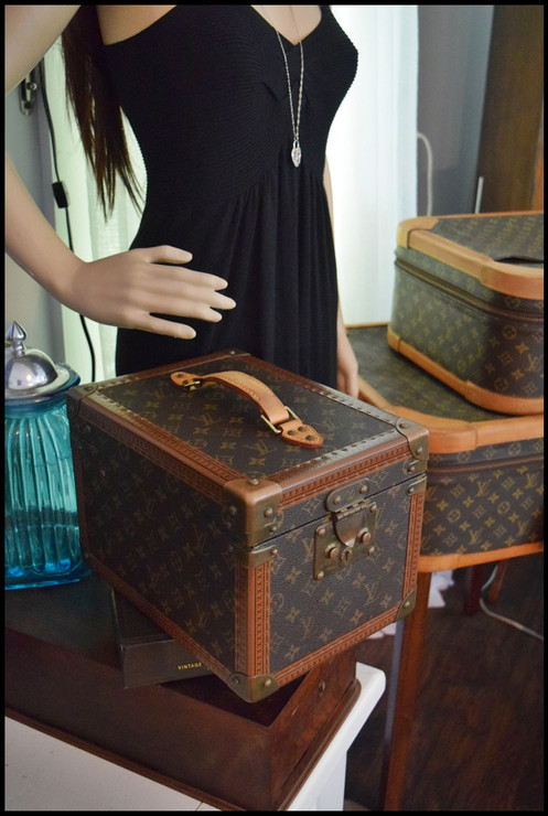f0e66af5cb2b Louis Vuitton Monogram Boite Hard Train Case Shipped Fully Insured with  Tracking to your Door! Need more time to pay