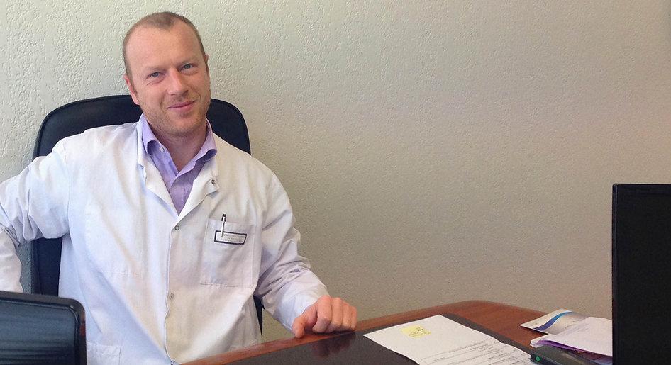 Docteur Hugo Leurs, Chirurgien Orthopediste