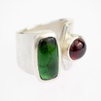 Ring-in-Silber-mit-Turmalinen-von-gudRun-flügge---zu-erwerben---PA079558best-2.jpg