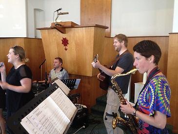 Tijdens een training in de kerk