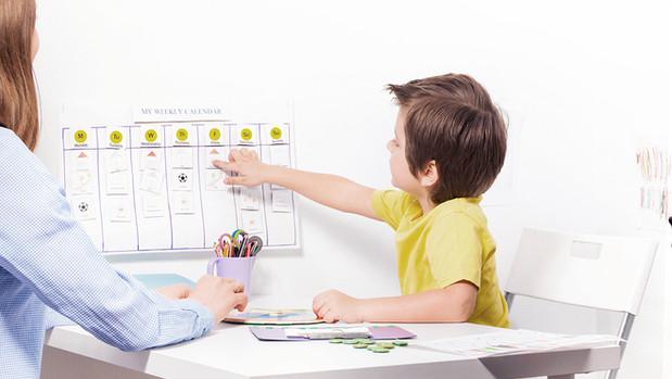Análise Aplicada do Comportamento (ABA) para a intervenção com Autismo.