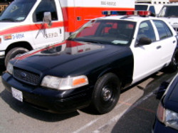 1998 - 2011 Ford Crown Victoria 2.jpg