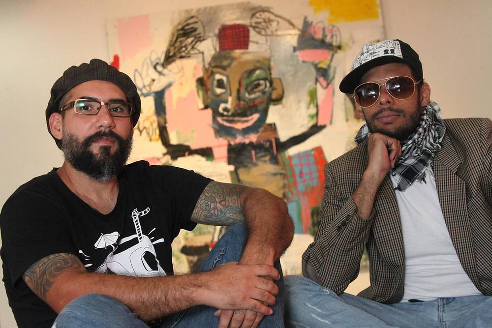 Foto por Manuel Sardá. Los artistas Enay Ferrer y Paul Parrella son dos de los participantes de la colectiva