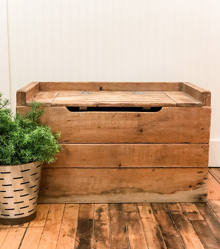 Rustic Wood Trunk