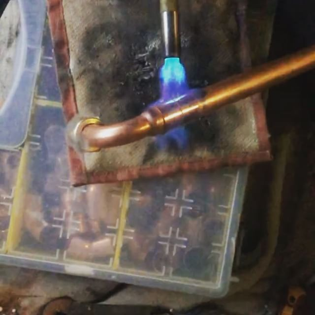 Slow mo video of soldering! I don't post all my stuff but I will be from now on! 👨🏼‍🏭 #soldering