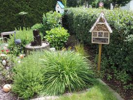 Garten mit Sonnenterrasse