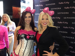 Megan Hilty with candy girls