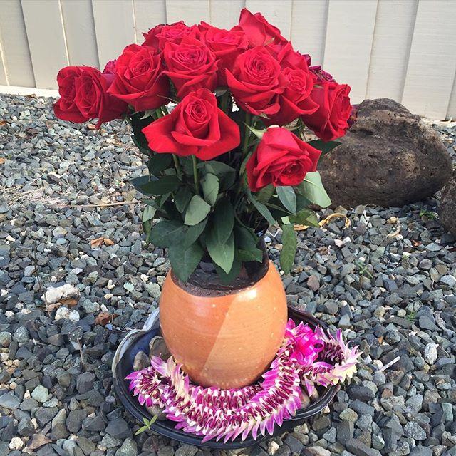 #roses #lei #vase #kuhnspottery #pottery  #clay #ceramics #highfire #wheelthrown #handmade #stonewar