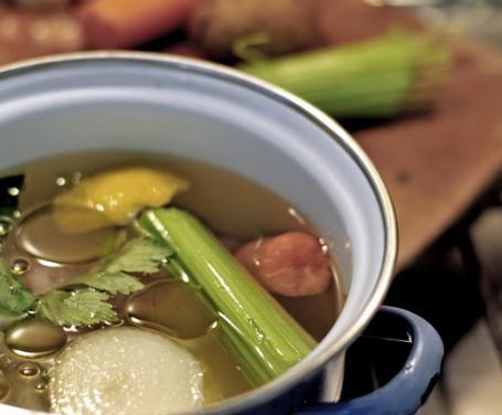 Recipe for chicken broth or brodo