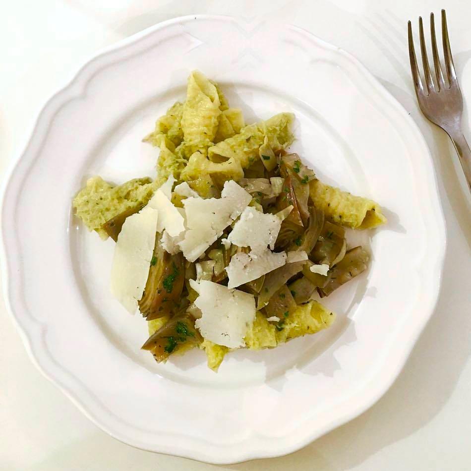 Pasta with artichokes