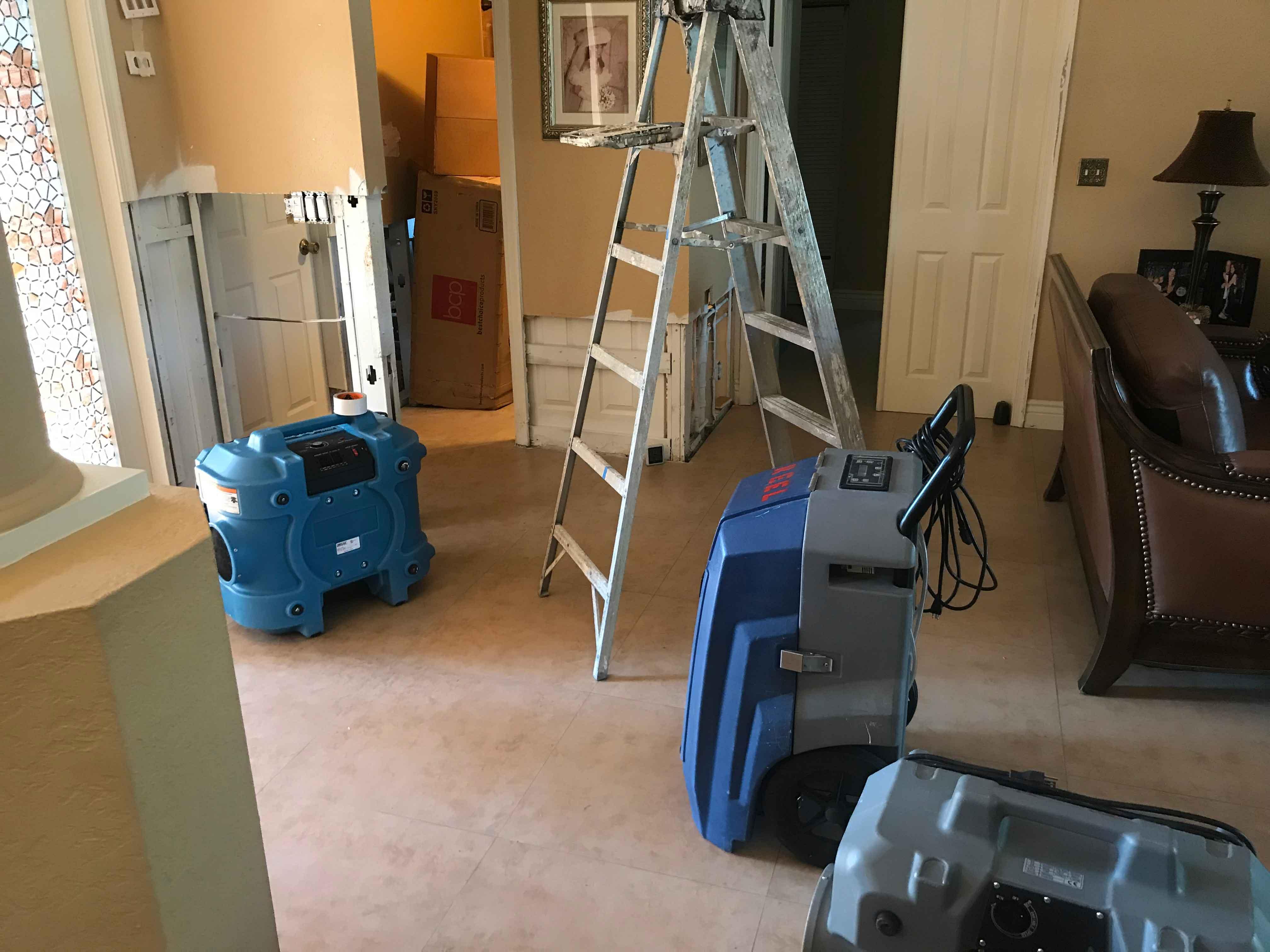 Reel-Contractors-Equipment-Humidifier-experts-water-restoration-Pembroke-Pines-Fl-Company