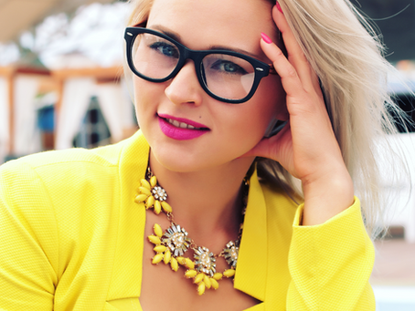 6 Makeup Tips for Glasses Wearers
