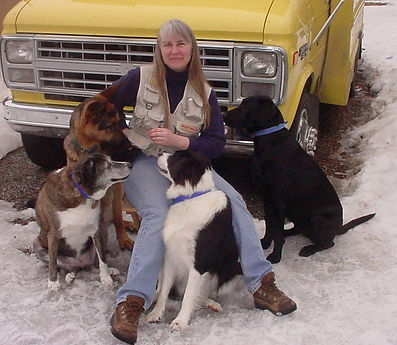 Sherry bus and 4 dogs.jpg