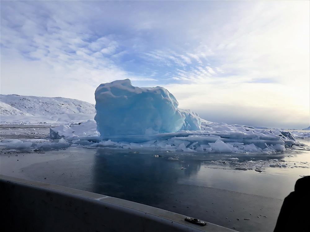 קרחון צף