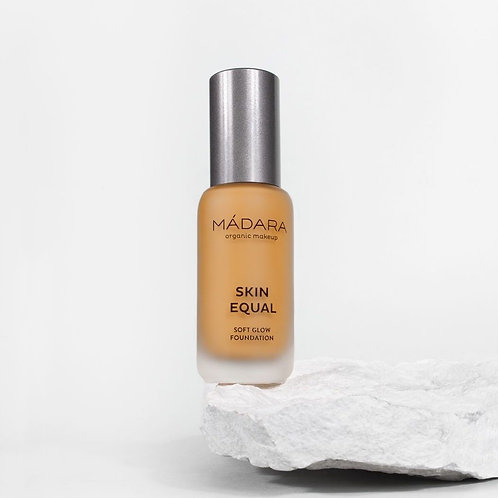 SKIN EQUAL Foundation SPF 15  - Olive