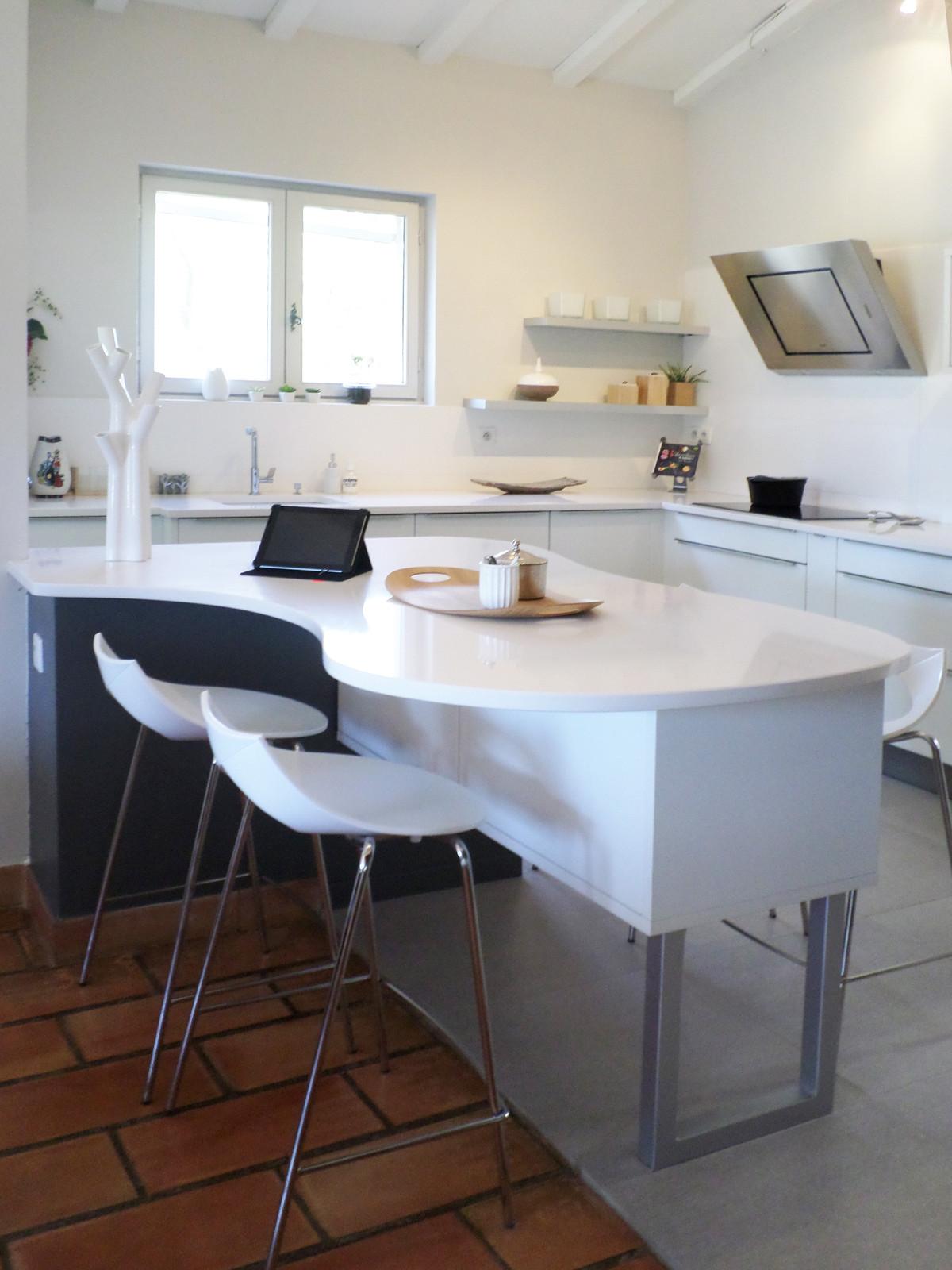 manilay pluquailec architecte d 39 int rieur montpellier et alentours cuisine helene. Black Bedroom Furniture Sets. Home Design Ideas