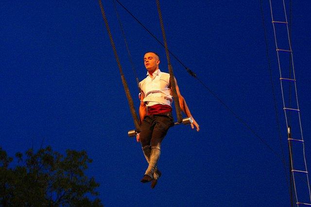 Trapèze Ballant/ Swinging Trapeze