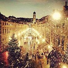 Travel_To_Croatia_Christmas_Markets_Zeph