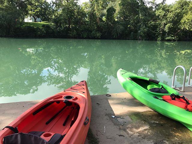 Just dropped off kayaks at Max Starcke P