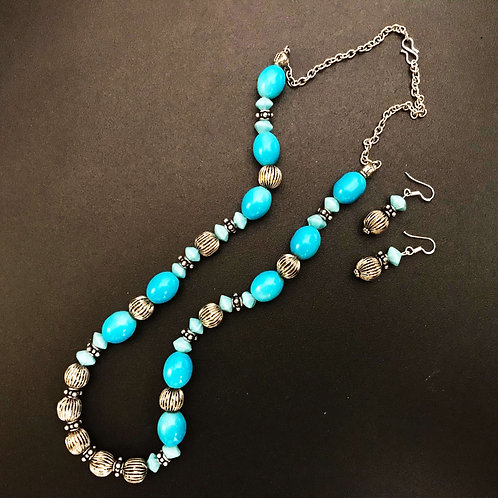 Handcrafted Traditional Jewellery Set (1 Necklace with 2 Earrings) S12