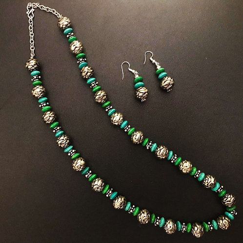 Handcrafted Traditional Jewellery Set (1 Necklace with 2 Earrings) S11