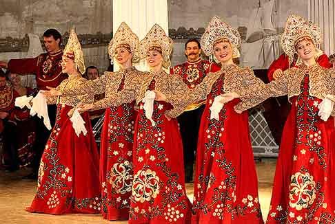 "<img src=""st_petersburg_tours_russian_folklore.png"" alt=""russian_folk_show"">"