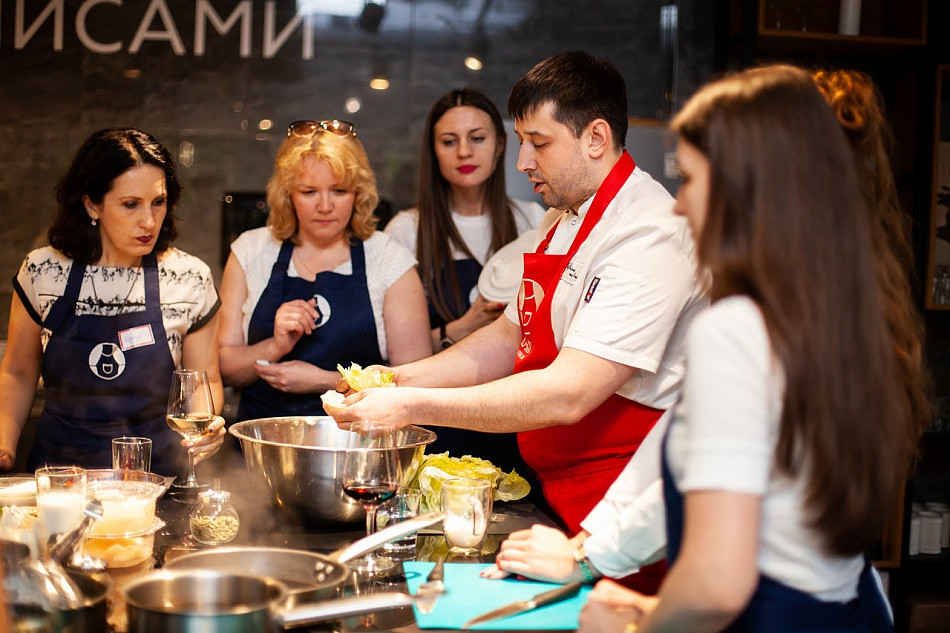 "<img src=""st_petersburg_tours_russian_food_culinary_class.png"" alt=""st_petersburg_tours_culinary_class"">"