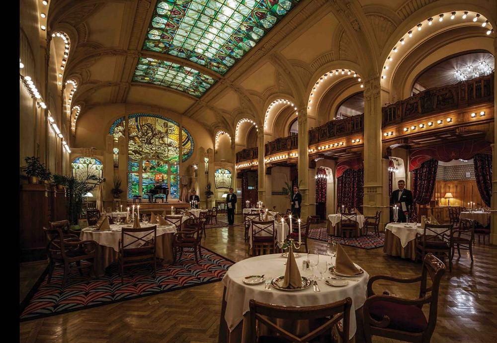 """<img src=""""st_petersburg_restaurants_Europa.png"""" alt=""""st_petersburg_restaurants_Europa_restaurant"""">"""