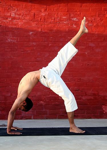 Yoga Man in Bridge Pose.png