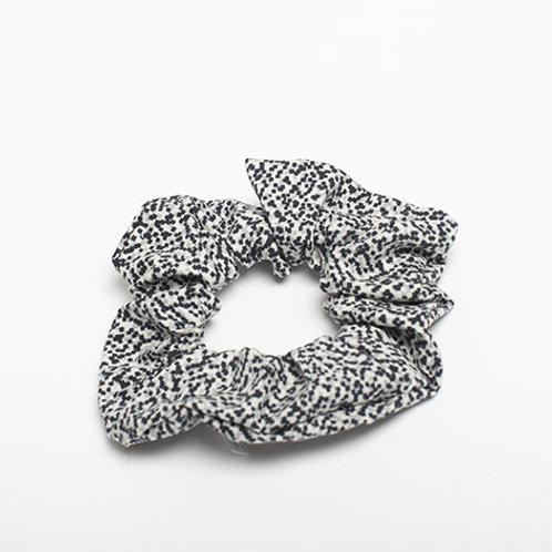 Chouchou blanc noir et gris