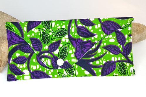 Pochette en wax vert et violet