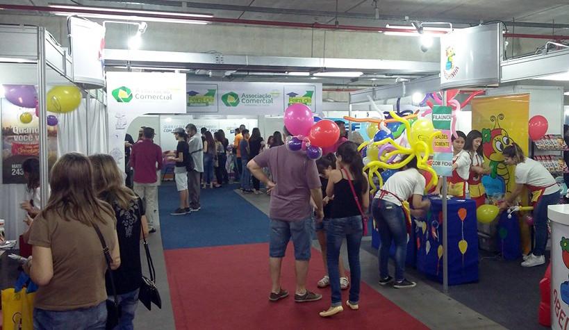 Feira Educando no Maxi Shopping Jundiaí