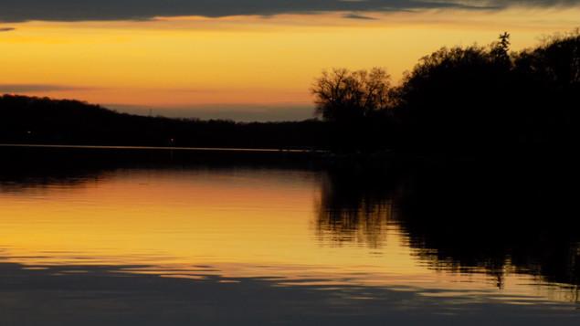 rock lake sunset 11.jpg