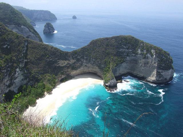 Nusa Lembongan Scenic.jpg