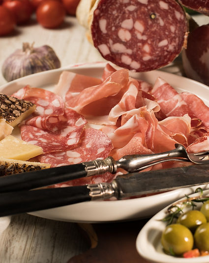 SELECTION OF FINE CURED MEATS AND CHEESE