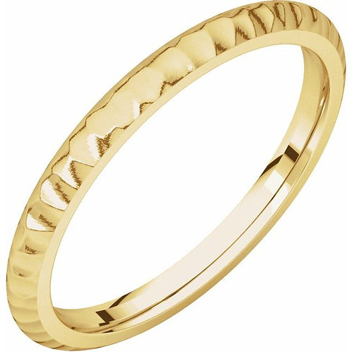 14K Yellow 2mm Comfort-Fit Hammer Finish Band Size 7