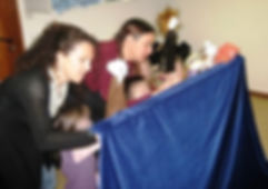 on manipule des marionnettes - Ecole de Serrières