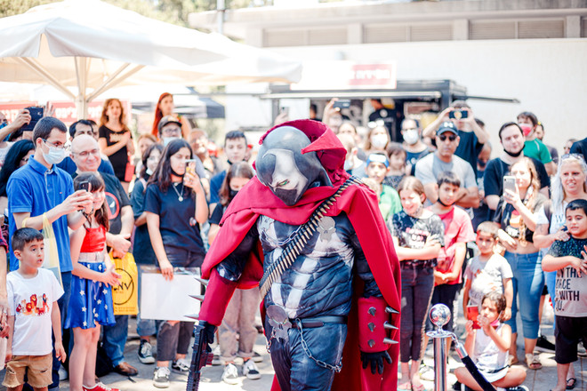 ComicsCon out side-small-118.jpg