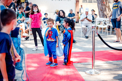 ComicsCon out side-small-148.jpg